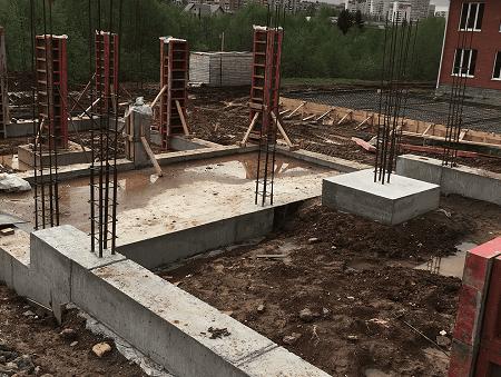 Устройство монолитных колонн