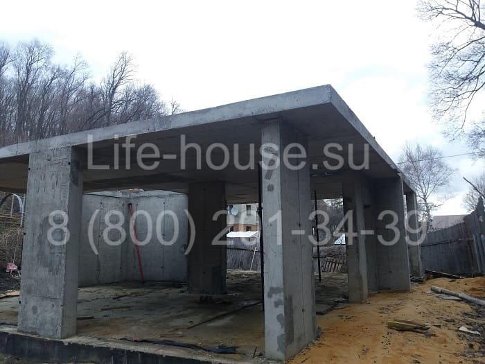 Двухэтажный каркасно-монолитный дом