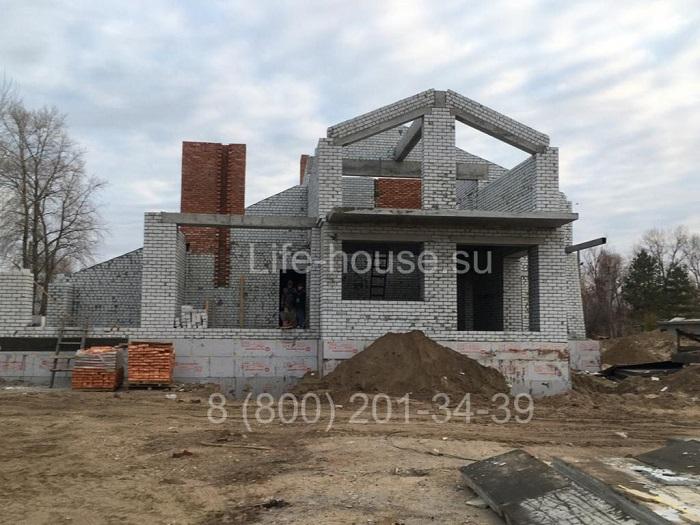 Текущий проект: строительство двух кирпичных коттеджей
