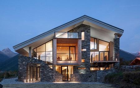 Дом с ассиметричнойкрышей в стиле хай-тек